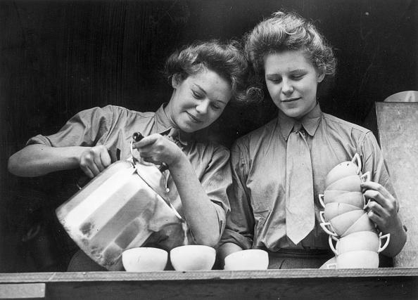 Pouring「Twin Tea」:写真・画像(18)[壁紙.com]