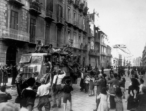 Italian Culture「Americans In Naples」:写真・画像(14)[壁紙.com]