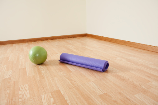 Pilates「Fitness Ball and Exercise Mat」:スマホ壁紙(13)