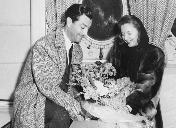 Bouquet「Robert Taylor And Barbara Stanwyck」:写真・画像(19)[壁紙.com]