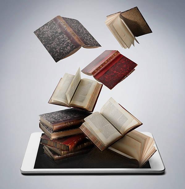 Book and digital tablet:スマホ壁紙(壁紙.com)