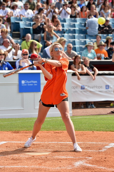 Jamie Lynn Spears「City of Hope Celebrity Softball Game at CMA Festival - Game」:写真・画像(3)[壁紙.com]
