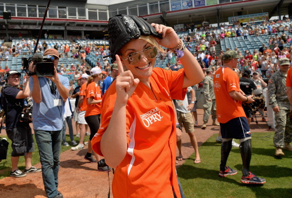 Jamie Lynn Spears「City of Hope Celebrity Softball Game at CMA Festival - Game」:写真・画像(1)[壁紙.com]