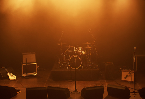 Arts Culture and Entertainment「Calm before the musical storm」:スマホ壁紙(8)