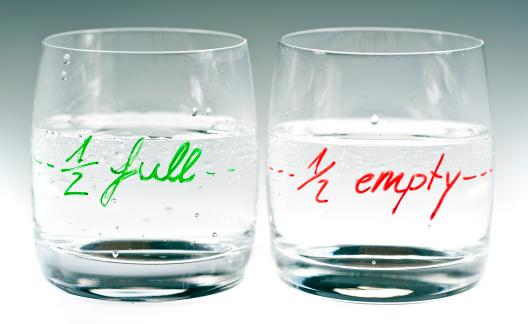 Emotional Stress「half full and empty」:スマホ壁紙(10)