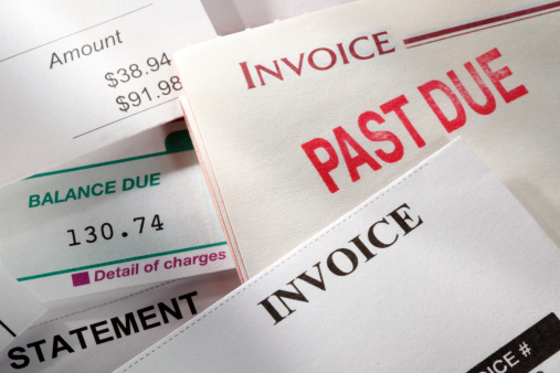 Paying「Past due notice stamped on an invoice」:スマホ壁紙(19)