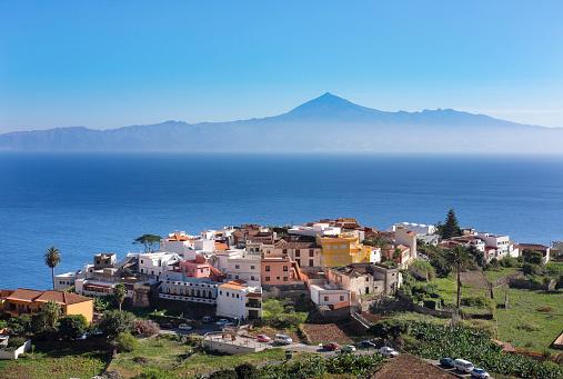 Canary Islands「Spain, Canary Islands, La Gomera, Agulo, Teneriffa Island with Pico del Teide in the background」:スマホ壁紙(17)