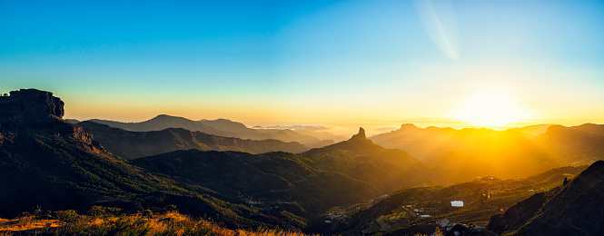 Canary Islands「Spain, Canary Islands, Gran Canaria, panoramic view of mountain landscape at sunset」:スマホ壁紙(11)