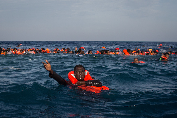 Refugee「Search And Rescue Enters Peak Season For MOAS Operations」:写真・画像(10)[壁紙.com]