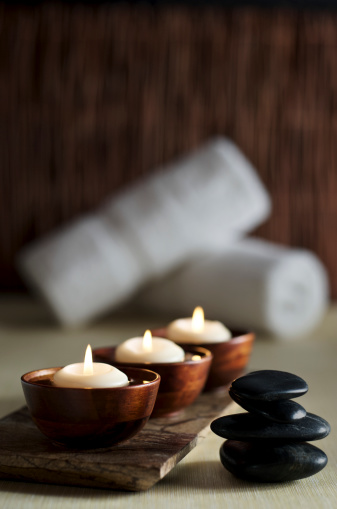 Floating Candle「Candles and Massage Stones in a Zen Spa Background」:スマホ壁紙(0)