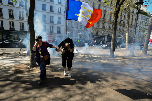 Yellow「Weekly Gilets Jaunes Protest To Go Ahead Despite Notre Dame Fire」:写真・画像(8)[壁紙.com]