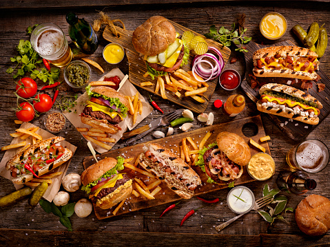 Cheeseburger「BBQ Burgers and Hotdog Feast」:スマホ壁紙(1)