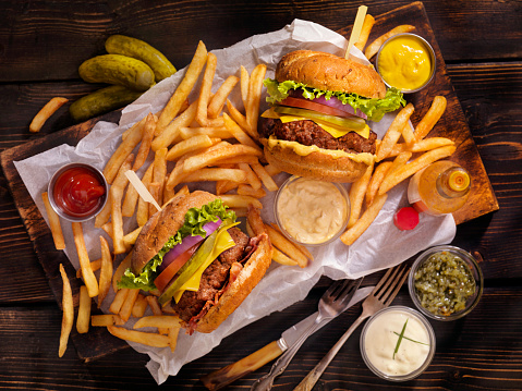Bacon Cheeseburger「Burgers and Fries」:スマホ壁紙(12)