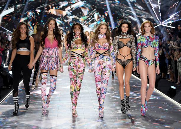 2018 Victoria's Secret Fashion Show in New York - Runway:ニュース(壁紙.com)