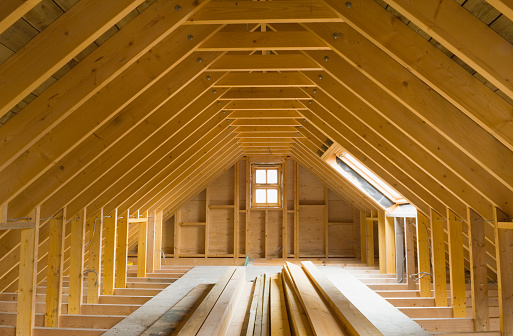 Carpentry「View of A-frame attic in a newly-built home」:スマホ壁紙(17)
