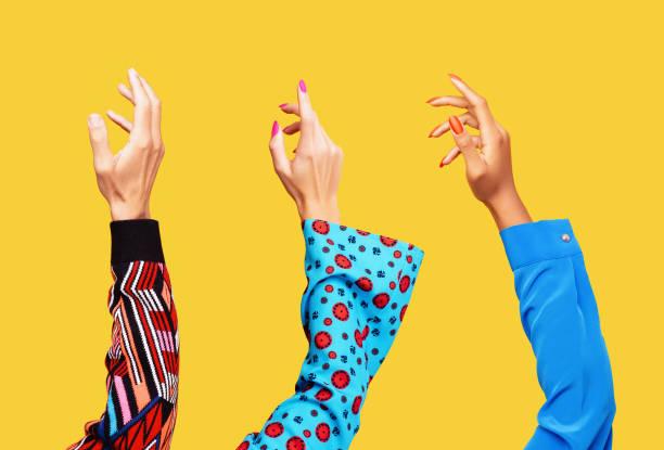 Three Hands in the Air:スマホ壁紙(壁紙.com)