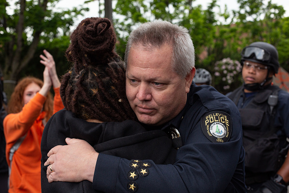 Police Force「Protestors In Seattle Rally Against Police Brutality In Death Of George Floyd」:写真・画像(12)[壁紙.com]
