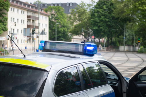 Emergency Services Occupation「German Polizei police vehicle with siren lights flashing」:スマホ壁紙(6)