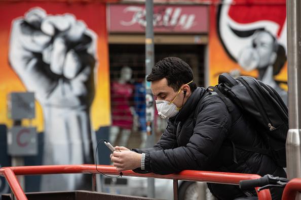1人「Italy Extends Emergency Measures Nationwide As Coronavirus Death Toll Jumps」:写真・画像(9)[壁紙.com]