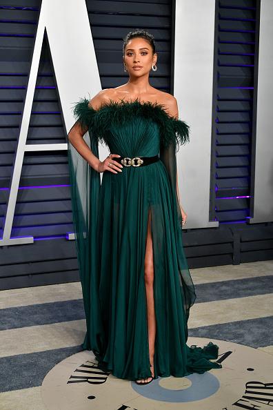 Off Shoulder「2019 Vanity Fair Oscar Party Hosted By Radhika Jones - Arrivals」:写真・画像(0)[壁紙.com]