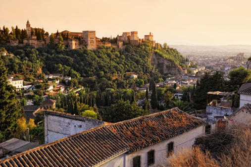 Castle「View on Alhambra at sunset」:スマホ壁紙(11)