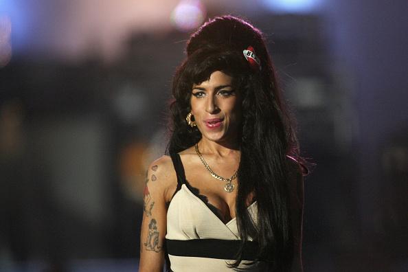 Amy Winehouse「46664 Concert: In Celebration Of Nelson Mandela's Life - Performance」:写真・画像(15)[壁紙.com]