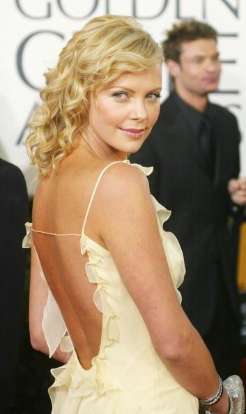 背景に人「File photo - 76th Oscar Nominations - Best Actress」:写真・画像(15)[壁紙.com]