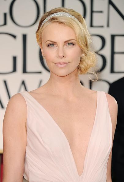 Headband「69th Annual Golden Globe Awards - Arrivals」:写真・画像(8)[壁紙.com]
