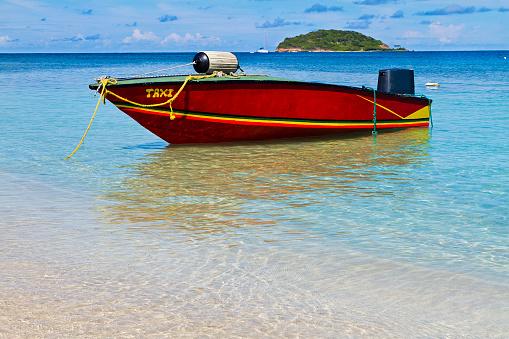 Salt Whistle Bay「Water Taxi, Mayreau」:スマホ壁紙(16)