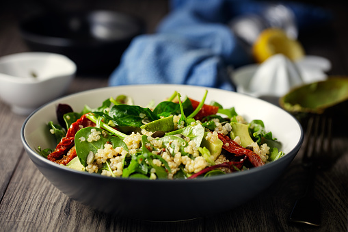 Spinach「Healthy vegan quinoa spinach salad」:スマホ壁紙(4)