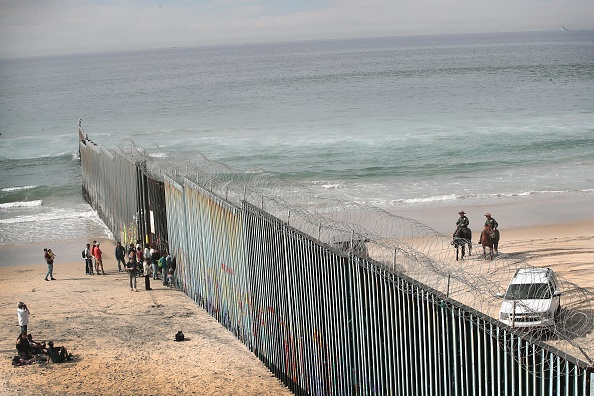 Mexico「Border Wall Funding Remains The Debate After Government Shutdown Ends」:写真・画像(8)[壁紙.com]