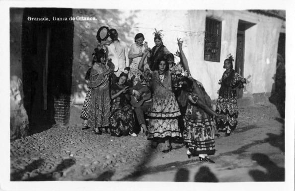 Musical instrument「Gypsies dancing, Granada, Spain」:写真・画像(4)[壁紙.com]
