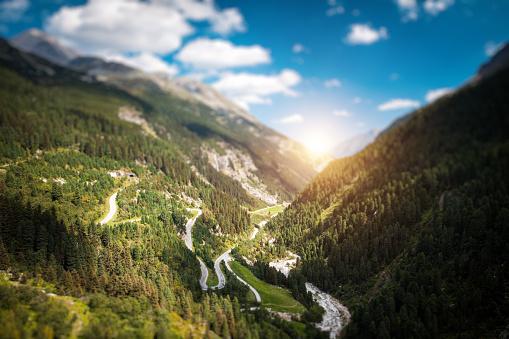 Hairpin Curve「Winding Alpine Road」:スマホ壁紙(12)