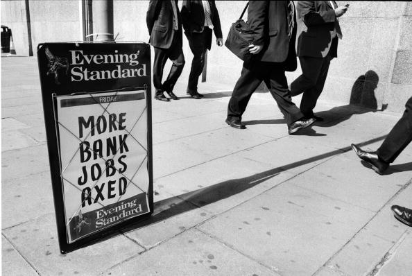 Crisis「Bank Jobs Axed」:写真・画像(0)[壁紙.com]