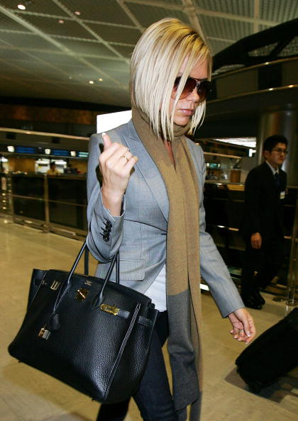 Purse「Victoria Beckham Leaves Tokyo Following Ted Beckham's Heart Attack」:写真・画像(16)[壁紙.com]