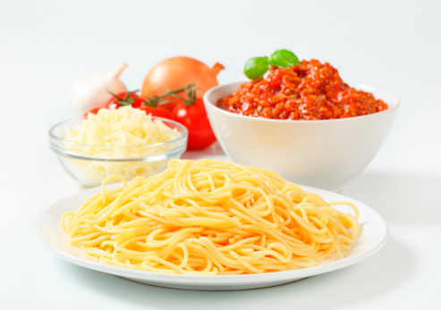 Edam Cheese「spaghetti with bolognese sauce, cheese and vegetables」:スマホ壁紙(16)