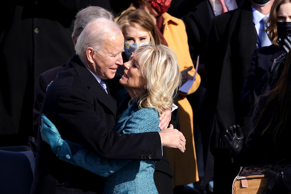 US President「Joe Biden Sworn In As 46th President Of The United States At U.S. Capitol Inauguration Ceremony」:写真・画像(12)[壁紙.com]