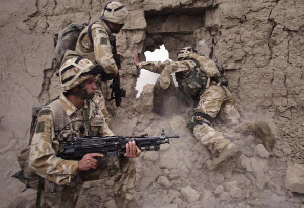 Exploding「British Forces Battle Taliban In Helmand Province」:写真・画像(10)[壁紙.com]