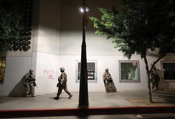 Santa Monica「National Guard Called In As Protests And Unrest Erupt Across Los Angeles Causing Widespread Damage」:写真・画像(7)[壁紙.com]