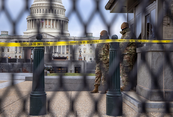 Capitol Hill「Washington D.C. Tense After U.S. Capitol Is Stormed By Protestors On Wednesday」:写真・画像(9)[壁紙.com]