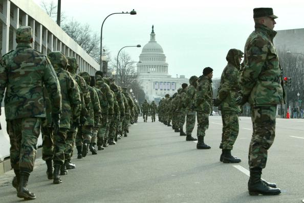 Capitol Hill「Washington Prepares For Bush's Second Inaugural」:写真・画像(4)[壁紙.com]