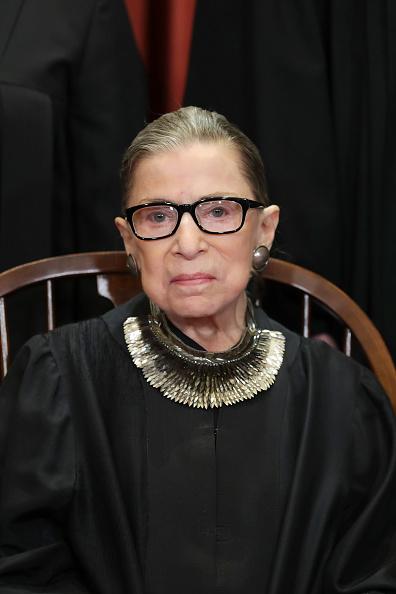 Headshot「U.S. Supreme Court Justices Pose For Official Group Portrait」:写真・画像(5)[壁紙.com]