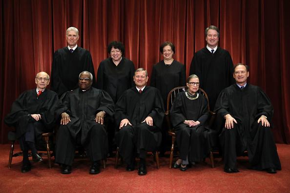 US Supreme Court Building「U.S. Supreme Court Justices Pose For Official Group Portrait」:写真・画像(8)[壁紙.com]