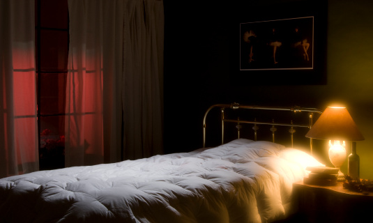 Loneliness「Romantic or lonely bedroom-empty bed,nightlight,window」:スマホ壁紙(19)