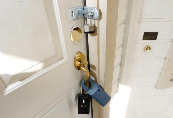 Door「California Community Hit Hard By Foreclosure Epidemic」:写真・画像(9)[壁紙.com]