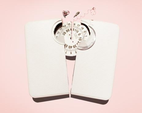 Overweight「Broken scales.」:スマホ壁紙(2)