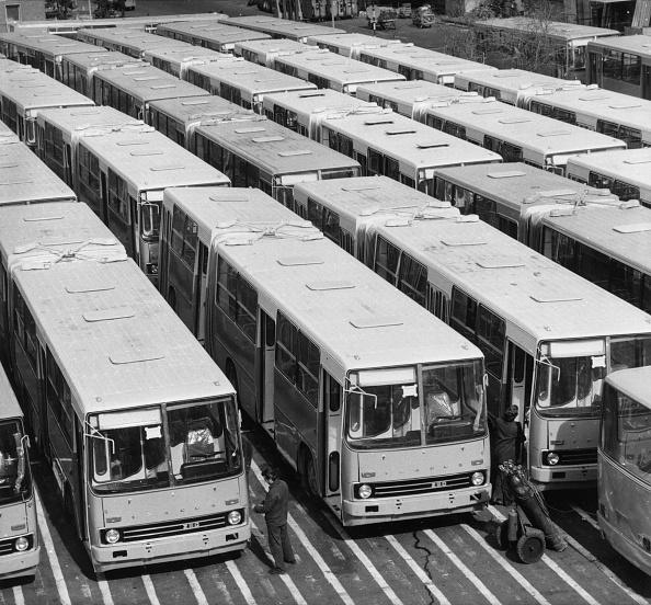 Mode of Transport「Ikarus Buses」:写真・画像(0)[壁紙.com]