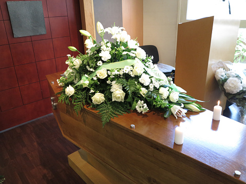 Auvergne-Rhône-Alpes「Funerals.」:スマホ壁紙(3)