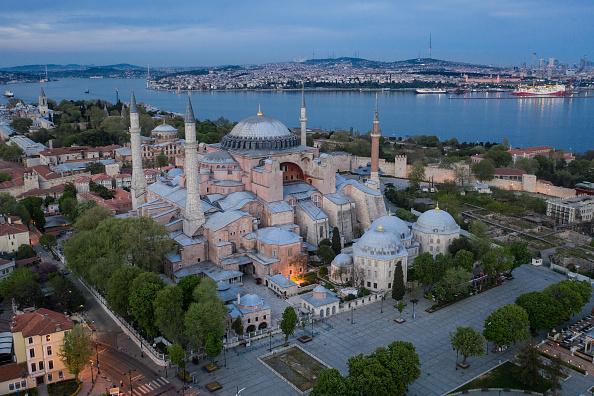 Viewpoint「Turkey Continues Weekend Lockdown During Coronovirus Pandemic」:写真・画像(2)[壁紙.com]