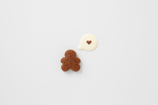 Gingerbread Cookie「Gingerbread man & milk speech bubble love heart」:スマホ壁紙(19)